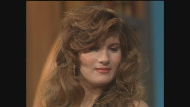 Pamela Prati intervistata da Maurizio Costanzo nel 1987