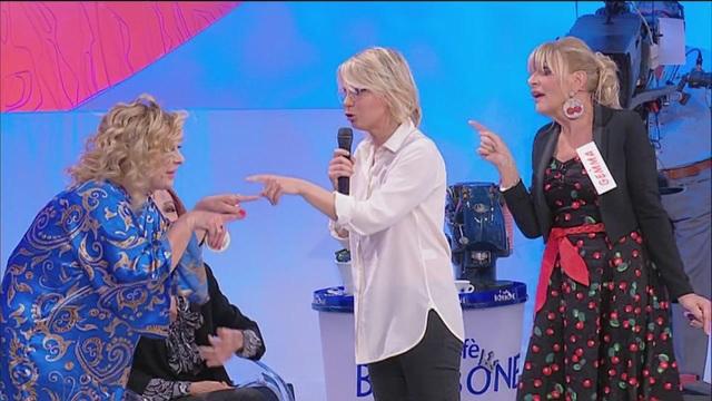Tina: 'La causa dei tuoi mali sei tu, Gemma!'