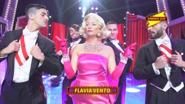 Domenica Alive - L'esibizione di Flavia Vento