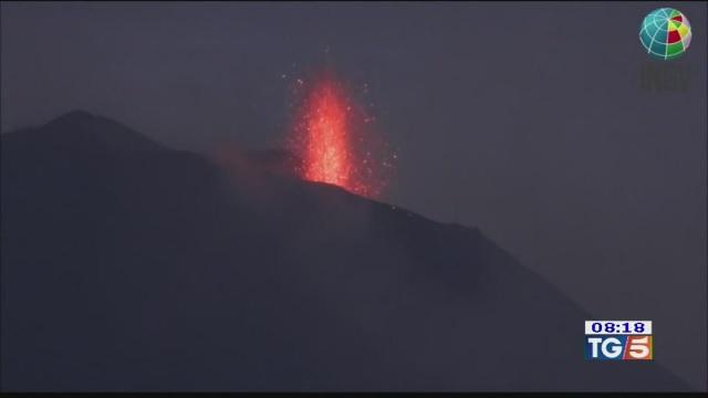 Cenere dall'Etna, areoporti a singhiozzo