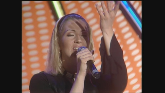Ace of Base cantano 'All That She Wants'