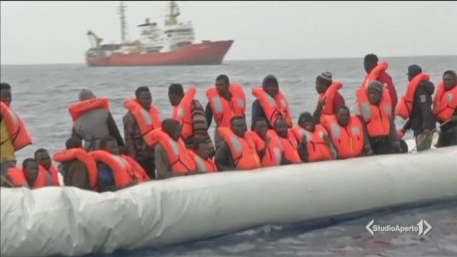 Migranti, allarme sui mini-sbarchi