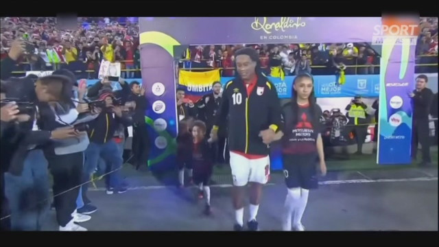 Ronaldinho, la classe è sempre la stessa: ma la pancia...