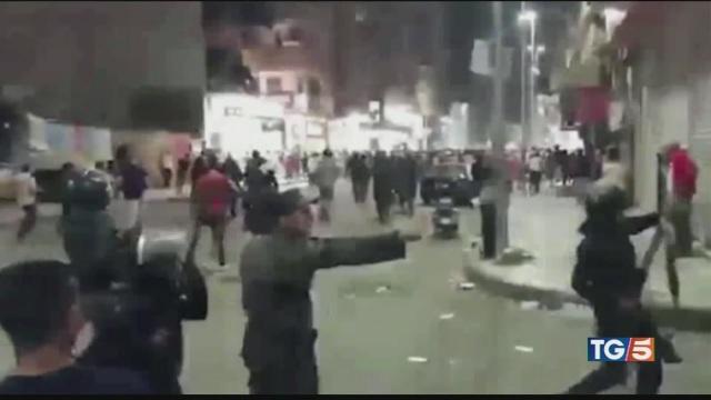 Proteste contro Al Sisi al Cairo notte di fuoco