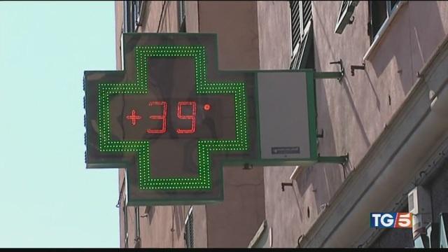Ondata caldo record emergenza nelle città