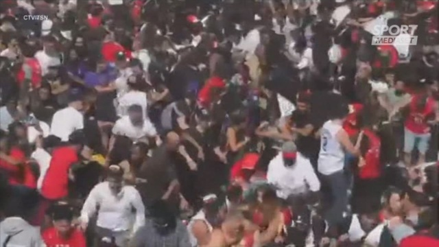 Toronto, spari alla parata dei Raptors: 4 feriti
